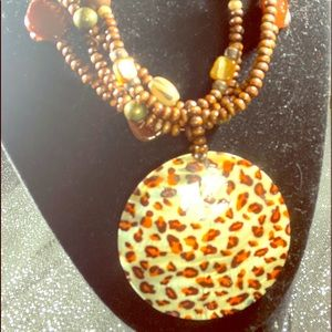 A Leapard shell necklace